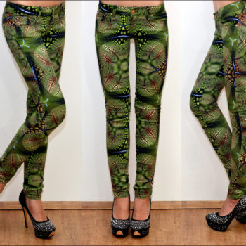 Püksid rohelise mustriga-0