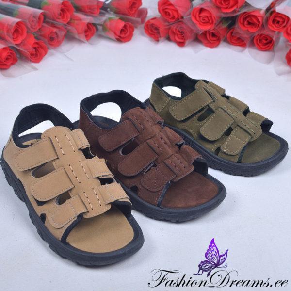 Sandaalid poistele